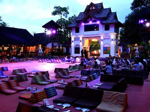 Khum Khantoke, Chiang Mai.