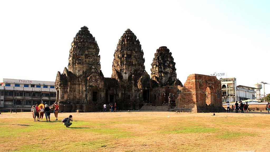 Wat Phra Prang Sam Yod, Lopburi.