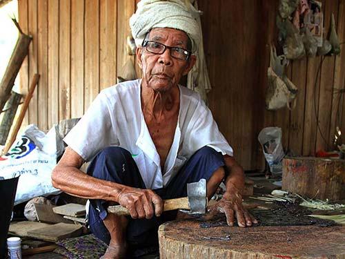 Shan craftsman.